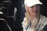 レコーディング中のダヴ(C)Disney
