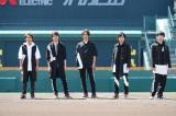 嵐が甲子園球場で新曲「夏疾風」を歌った『嵐×甲子園スペシャル映像』が公開 (C)ABCテレビ