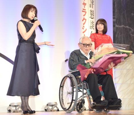 祝福に駆けつけた風吹ジュン(左)、清野菜名(右) (C)ORICON NewS inc.