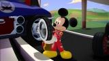 第1話「ミッキーのタイヤ」より(C)Disney