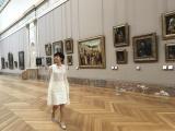 フランス・ルーヴル美術館を訪れた有働由美子アナ(C)日本テレビ