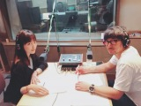 河北裕介氏(右)のラジオ『ヘアメイク河北裕介のBe yourself』にゲスト出演した川口春奈