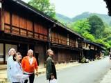 長野県と岐阜県にまたがる「馬籠(まごめ)線」に乗車(C)テレビ朝日
