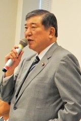 チケットの不正高額転売については現在、石破茂氏が会長を務めるライブ・エンタテインメント議員が法整備を推進している (C)oricon ME inc.