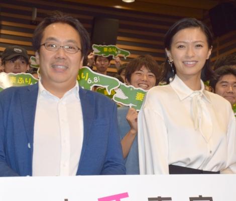 映画『家に帰ると妻が必ず死んだふりをしています』公開直前イベントに出席した(左から)李闘士男監督、榮倉奈々 (C)ORICON NewS inc.