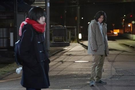 映画『響 -HIBIKI-』で初共演する(左から)平手友梨奈、小栗旬 (C)2018映画「響 -HIBIKI-」製作委員会 (C)柳本光晴/小学館