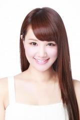 新作映画『初恋スケッチ〜まいっちんぐマチコ先生』(9月6日公開)に出演する鈴木まりや