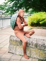 「吉本坂46」の第四次オーディション『水着審査』に臨む村上ショージ(C)吉本坂46