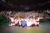 アンジュルム、パリで初の海外公演(左から)和田彩花、船木結、笠原桃奈、勝田里奈、竹内朱莉、室田瑞希、川村文乃、中西香菜