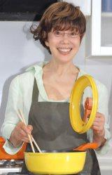 ネットで話題となった「ダイナミックな料理」について語った平野レミ=TV新番組『レミさんちの食卓』の取材会 (C)ORICON NewS inc.