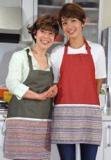 TV新番組『レミさんちの食卓』の取材会に出席した(左から)平野レミ、和田明日香 (C)ORICON NewS inc.