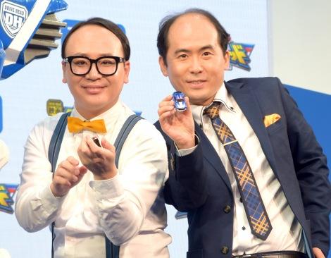 『東京おもちゃショー2018』のタカラトミーブースに登場したトレンディエンジェル(左から)たかし、斎藤司 (C)ORICON NewS inc.