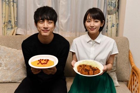"""""""火9ドラマ""""をバトンタッチした坂口健太郎と吉岡里帆"""