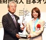『平成29年度JOCスポーツ賞 表彰式』に出席した高木菜那選手(右) (C)ORICON NewS inc.