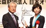 『平成29年度JOCスポーツ賞 表彰式』に出席した高木美帆選手(右) (C)ORICON NewS inc.