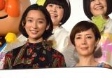 (前列左から)杏、戸田恵子=映画『それいけ!アンパンマン かがやけ!クルンといのちの星』完成披露舞台あいさつ (C)ORICON NewS inc.