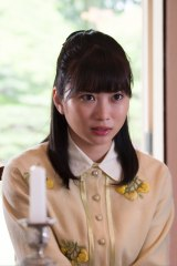 志田未来が演じる椿美禰子の劇中カット(C)NHK