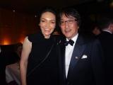 (左から)第72回トニー賞で最優秀主演女優賞を受賞した『バンズ・ヴィジット』主演のカトリーナ・レンク、 堀義貴ホリプロ社長
