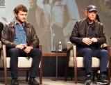 映画『ハン・ソロ/スター・ウォーズ・ストーリー』の来日記者会見に出席した(左から)オールデン・エアエンライク、ロン・ハワード監督 (C)ORICON NewS inc.