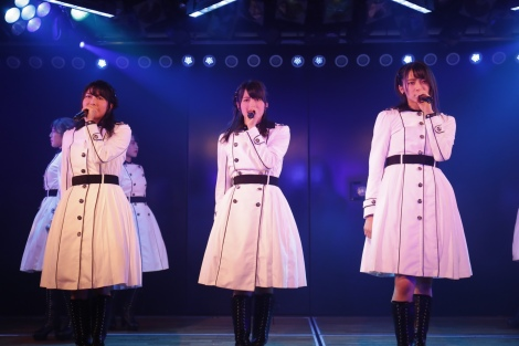岡部チームA『目撃者』公演より(C)AKS