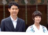 映画『焼肉ドラゴン』の大ヒット祈願イベントに出席した(左から)大泉洋、真木よう子 (C)ORICON NewS inc.