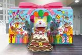 フォトスポットにはドラえもんの誕生日プレゼント「巨大どら焼きケーキ」が登場※画像はイメージです(C)藤子プロ・小学館・テレビ朝日・シンエイ・ADK