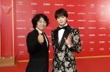 『第21回上海国際映画祭』に参加した(左から)羽住英一郎監督、新田真剣佑 (C)2018「OVER DRIVE」製作委員会