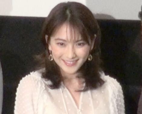 映画『私の人生なのに』完成披露上映会の舞台あいさつに出席した知英 (C)ORICON NewS inc.