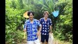 虫取り網を携え南の島をエンジョイする香取&稲垣