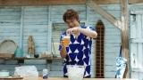 稲垣吾郎と香取慎吾が出演する「オールフリー」の新TVCMが、23日から全国でオンエア開始