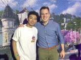Instagram日本代表に選ばれた綾部祐二(左)、同社共同創業者兼最高技術責任者(CTO)のマイク・クリーガー氏