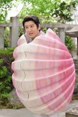 7月6日放送、NHK総合『LIFE!』より。コント「イタヤガイ」に桜井日奈子が登場(C)NHK