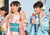 指輪を披露した(左から)山崎夕貴、竹内友佳 (C)ORICON NewS inc.