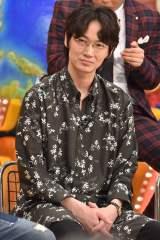 6日放送の日本テレビ系『ザ!世界仰天ニュース』悪女スペシャルに出演する綾野剛 (C)日本テレビ
