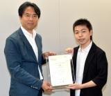 (左から)コンテンツ事業センターコンテンツ事業局長の山口真氏、宮嵜瑛太さん