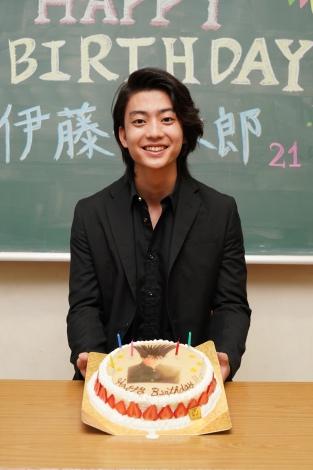 21歳の誕生日を迎え、本名で活動していくことになった伊藤健太郎(C)日本テレビ