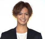 映画『ウタモノガタリ-CINEMA FIGHTERS project-』公開記念舞台あいさつに出席した片寄涼太