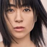 宇多田ヒカルの7thアルバム『初恋』ジャケット写真