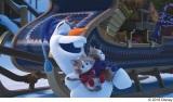 ディズニー『アナと雪の女王/家族の思い出』より。ベイマックスのロケットパンチが隠れているカット