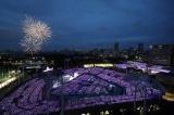 東京・明治神宮野球場と秩父宮ラグビー場でシンクロライブを開催した乃木坂46