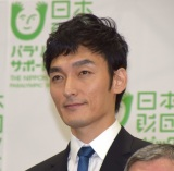 「雨あがりのステップ」寄付贈呈式に出席した草なぎ剛 (C)ORICON NewS inc.