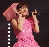 ℃-uteの「大きな愛でもてなして」で大歓声を浴びた鈴木愛理 (C)ORICON NewS inc.