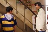 """玉山鉄二&中尾明慶(左)が、さんまとジミーの""""衝撃の出会い""""再現(C)2018YDクリエイション"""