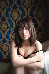 AKB48・高橋朱里1st写真集『曖昧な自分』誌面カット (撮影/佐藤裕之)