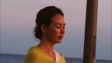 ハワイの秘法「ホ・オポノポノ」の神秘体験で涙が止まらないSHIHO(C)フジテレビ