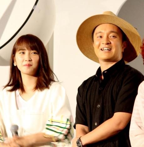 映画『劇場版ポケットモンスター みんなの物語』公開記念舞台あいさつに出席した(左から)川栄李奈、濱田岳 (C)ORICON NewS inc.