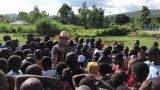 アフリカ最大の湖、ヴィクトリア湖に近いルオ族のキムス小学校にて(C)RKB