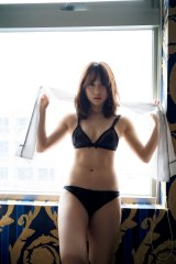 AKB48・高橋朱里1st写真集『曖昧な自分』のランジェリーカット(撮影/佐藤裕之)