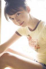 『週刊少年マガジン』33号に登場するモーニング娘。'18・牧野真莉愛 撮影:Takeo Dec.