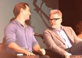 映画『ミッション:インポッシブル/フォールアウト』記者会見の模様(左から)ヘンリー・カヴィル、マッカリー監督 (C)ORICON NewS inc.